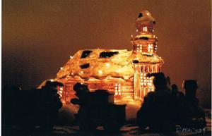 2009.  Julafton hos oss på Stora vägen 65 i Havdhem.  Kyrkan i vår julby, ser nästan verkligt ut. Fotat av Sivert.