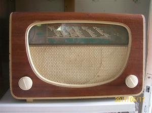 554. Radiola, rörmottagare. Typ: 1504V. Nr: 1556. Fotonr: 100_8256