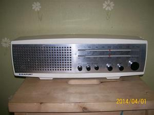 831. Transistorradio, Blaupunkt. Typ: Napoli 7620201. Nr: B152462.  Fotonr: 101_0571