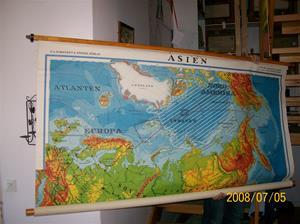 156. SÅLD 2015 06 30. Karta Asien. Typ: Furuskog Hedin Asien Fysik. P.A Nordstedt & Söner Förlag Stockholm. Fotonr: 100_1299.