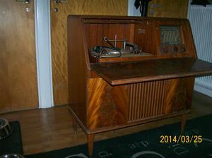 825. Radiogrammofon. Luxor//Radio, Sekretär 414W. Serie B. Nr. 253274. Fotonr. 101_0568.