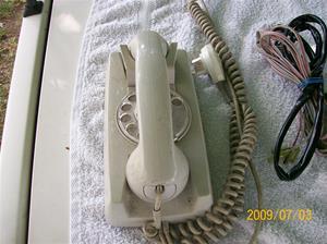 300. Televerket, väggtelefon. Typ: Teli väggtelefon, plast. Nr: A002 9871/08. Fotonr: 100_3599