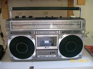 560. Sharp, stereo-radio-cassettebanspelare. Typ: GF-6161H. Nr: 809235. Fotonr: 100_8278