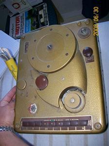 065. Såld. Luxor magnefon. Typ: Denna är bara för att spela: Den talande tråden på. Fotonr: 100_1139. Inlagt på webben 2014 06 02.