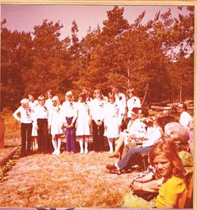Konfaskolans elever avslutningsdagen foto 1 1975