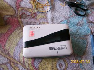 148. Sony Walkman. Typ: WM-38/68.  Fotonr: 100_1280. Inlagt på webben 2014-06-06.