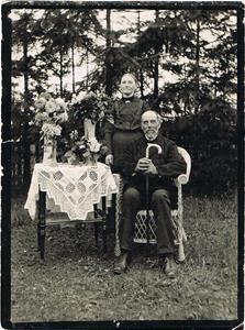 Klara och Axel Mattssons mor och far, från Näs