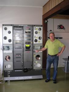824. Utställningsmonter för bilstereo, Pioneer. SANY0077