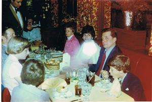 USA 1977 Avskedsfest på resturang