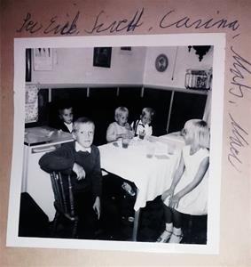 På kalas hos min farmor och farfar Hemse, med min bror och mina kusiner (syskonen Jacobsson).