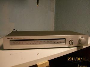 512. Rotel, AM-FM Stereotuner. Typ: RT 400. Nr: art.nr. 110 040/63. Fotonr: 100_7644