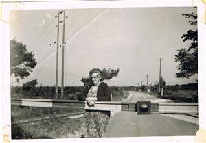Sista gången Bom Anna, alias Anna Lindström stänger bomen i Fidenäs 1960