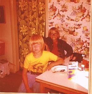 Sven och Tonny i köket på Näs
