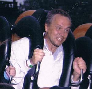 407. Blybatterier, för telefon. Typ: I glaslåda. Ersättningsbild, jag 2004, Tivoli i Köpenhamn.