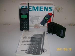 557. Siemens GMS, mobiltelefon. Typ: S24859-C2510-A1-1. Nr: 4, 90122E+13. Tilln.år: ca 1984. Fotonr: 100_8259