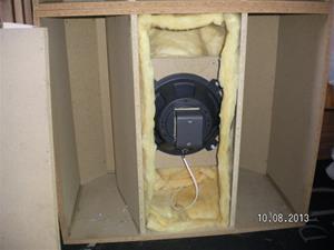 Nummer 705. Konhögtalarlådor. OBS att det är bara högtalare i ena lådan. I övrigt enligt bilder. Lägsta bud 500:- för båda. SANY0012. Inlagt 2015 08 29.