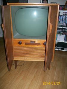 827. Tv-apparat. Dux. Typ: V5397. Nr: 222635. Tillv.år ca. 1956-57. Fotonr: 101_0564