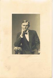 Mor Hermannas bror Aron (förmodligen), flyttade till Amerika tidigt 1900-tal.