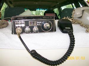 298. Commander, comradio. Typ: Commander mini-23. Nr: ?. Fotonr: 100_3607