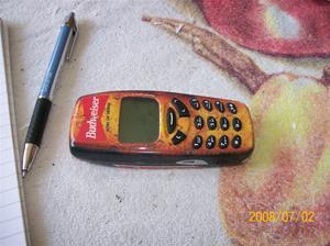 Såld. 096. Nokia 3310 mobiltelefon. Typ: NHM-5NX 3310. Nummer: (code) 0505726. Fotonr: 100_1190. Inlagt på webben 2014 06 03.