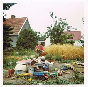 Mor Iris i min bondgård. Ca 1967-68.
