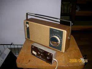 018. Philips transistor. Typ: B2 S 45 T. Nummer: 35149. Den första modellen med tillhörande transf. för 220v, löstagbar. Fotonr: 100_1029 (1)