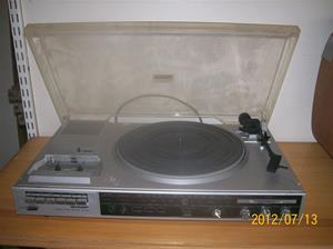 577. Sharp, stereo-radio-grammofon Typ: Stereo musik center SG-190. Nr: 31006131. Fotonr: 100_9323