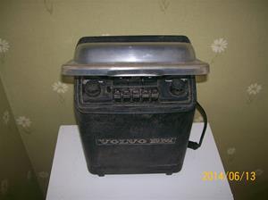 879. Volvo BM, traktorradio. Typ: Volvo 4 stereo. Nummer: ? ; 101_0644