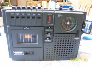 136. Maximal radiocassette. Typ: 205 FM AM 2 band radio. Nummer: 480 720. 7. Fotonr: 100_1254. Inlagt på webben 2014-06-05.