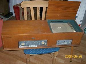 23. Philips, radiogrammofon. Typ: F5S 94A. Nummer: 79001. Fotonr: 100_1040