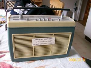070. Bang & Olufsen transistorradio. Typ: Beolit 600 1202. Serie: 80. Nummer: 17034 (009550). Fotonr: 100_1145. Inlagt på webben 2014 06 02.