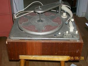 040. Philips, grammofon. Typ: AG 1000 NS. Nummer: 401727. Fotonr: 100_1072