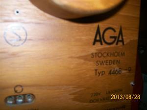 813. AGA hörnTV, 24, typ 4468-9. Nr: 360885. Tillv.år: 1966. Nypris: 1595:-. Ganska svårsåld pga det ca 300:- högre priset än för normal TV.  101_0518