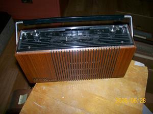 036. Luxor//Radio, transistor. Typ: Melodi B 4772, serie 1. Nummer: 408092. Fotonr: 100_1075