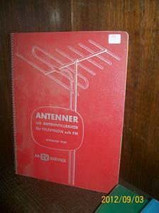 669. Såld 2015 07 31. AB TV-Service, katalog 1959. Typ: Antenner och tillbehör för television och FM. År: 1959/Sverige. Röd med spiralrygg. Fotonr: 100_9668.