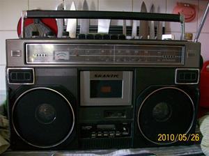 400. Skantic, stereocassetterecorder. Typ: 110-9108, med klocka. Nr: 00-110369. Fotonr: 100_5784