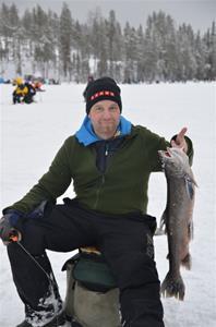 Kristian Stjärnström med sin fisk på 3180 gr. Han kom tvåa i tävlingen