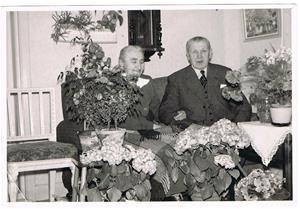 8.Min mormor Hermannas syster Lina och hennes man med efternamn Hägg.