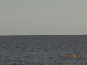 Syns lite otydligt, men kollar ni noga så ser ni att Öland hägrar. IMG_1545