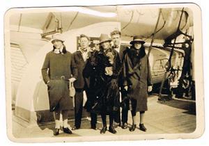 5.Resan till Amerika 1928. Elsie Norrby längst till vänster?