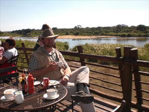 Lunch vid Sabi River i Krugerparken