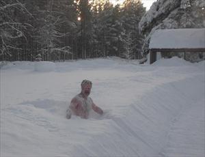 Snöbad efter bastun