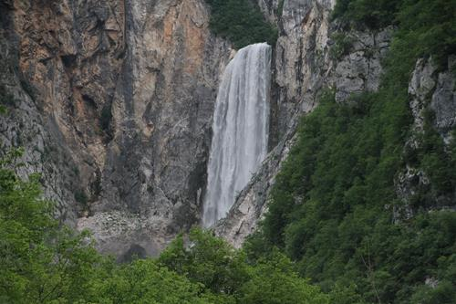 Floden som kom direkt ur berget