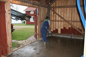 Här får Anders jobba på när cementen kommer