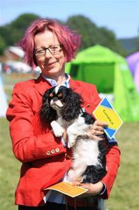 18.b 2016-06-11 Vänersborg cert-hunden