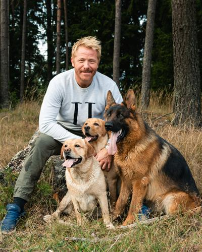 Fredrik Steen tre hundar ok publicera