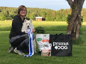 Ellinor och Thea årets agilityhund 2020
