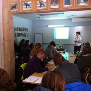 Föreläsning på Frövi BK: Friskvård & Fysträning med Maria Knutas. Foto: Madelaine Karlsson