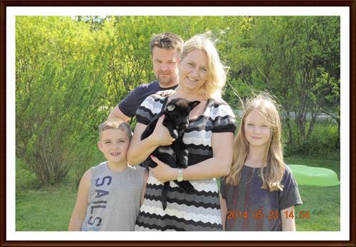 2014-05-23 Fredrik & Wenche Åhman med familj