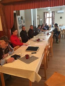Tv. ny kassör Alf Örnborg Th. avgående kassör Berit Bodin